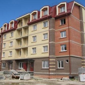 Строительство новых домов в жилом комплексе Царский двор